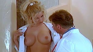 Doktorspielchen mit Gina