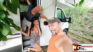 Pretty Spanish likes caravan fuck – Die Karawane der Liebe Teil