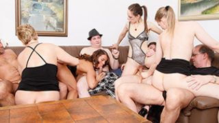 German MILF group sex – Rudelbumsen ohne Gnade