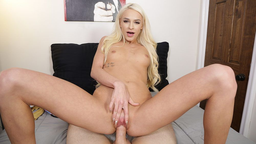 Sex casting for horny petite actress