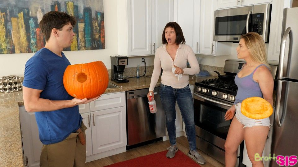 Pumpkin Fuck with great creampie