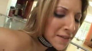 Cette blonde prend cher avec Manuel Ferrara